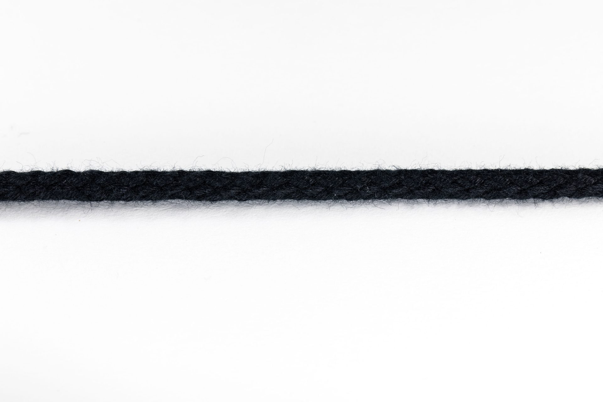 SL5 (Cotton Cord Black – 5mm)